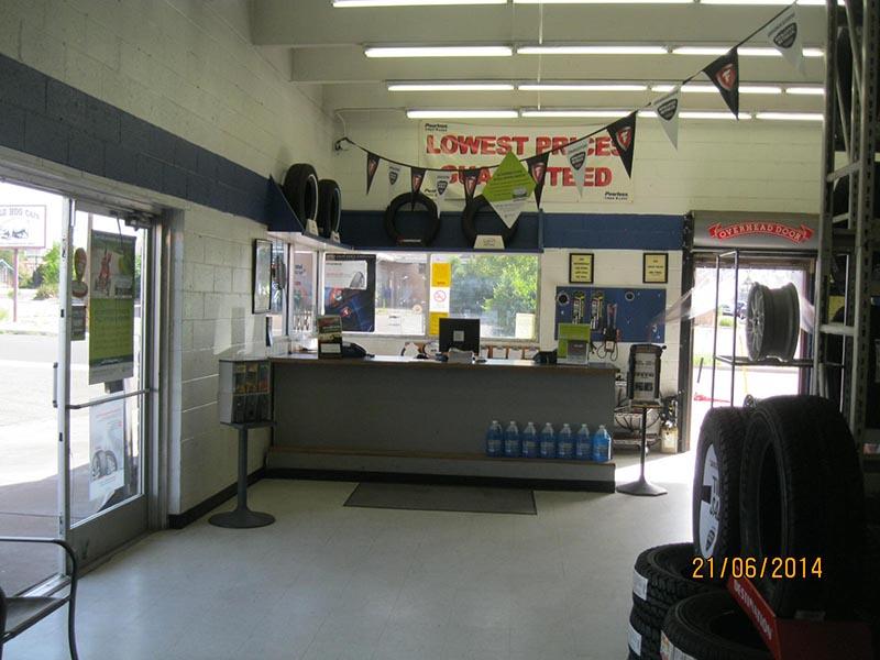 New Mexico Tire Store - Santa Fe Interior