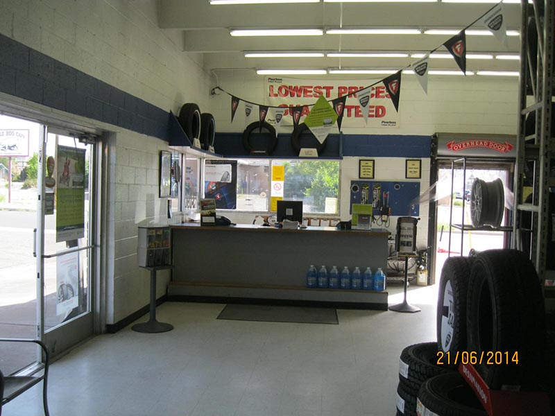 New Mexico Tire Store - Santa Fe Interior